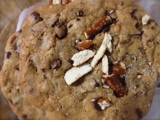 pretzel-cookie