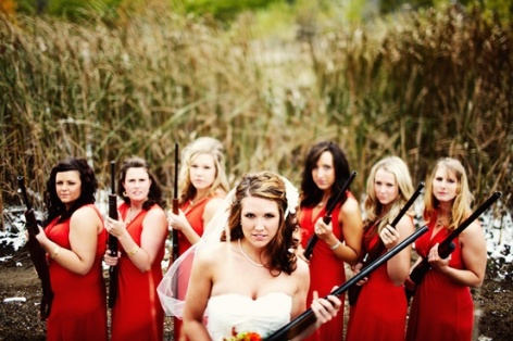 bride_and_bridesmaids_with_guns-6402